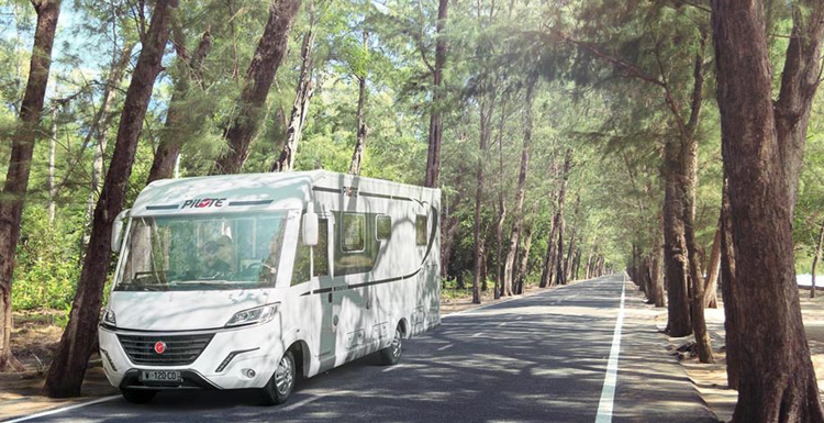 Top 20 Luxury Motorhomes! | Yescapa